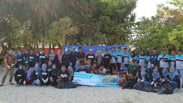 FEB Peduli Goes To Bondo Beach