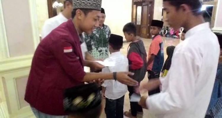 Berbagi Kebahagiaan di Bulan Ramadhan bersama Yatama, wujud BEM FEB bersama UNISNU peduli terhadap lingkungan sekitar