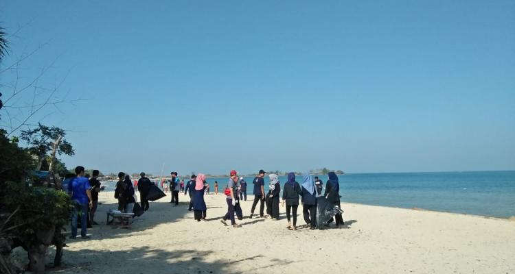 Pemandangan Pantai Bondo
